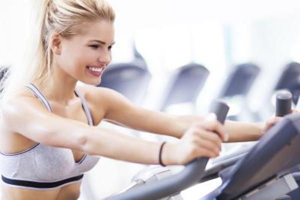 holding on bars Common Treadmill Mistakes